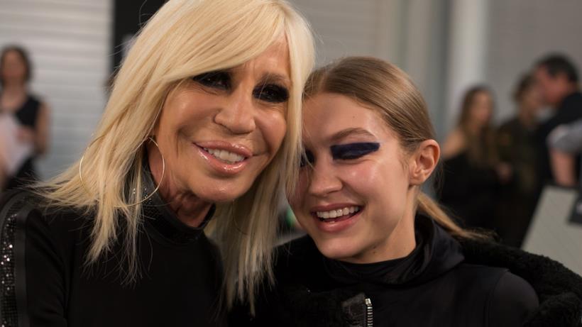 Gigi Hadid e Donatella Versace