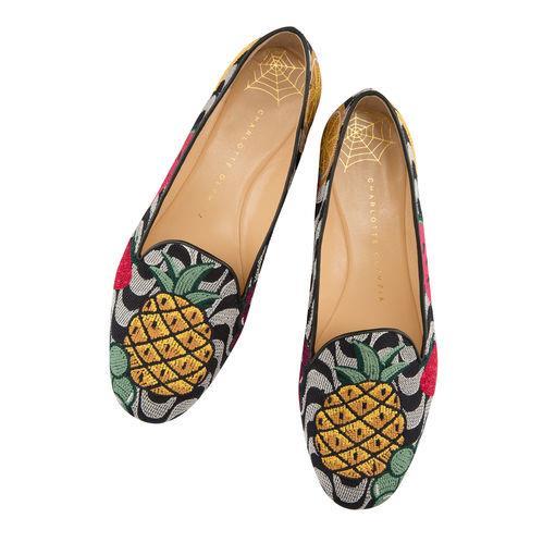 Con la stampa della frutta, le scarpe di moda per l'estate 2018