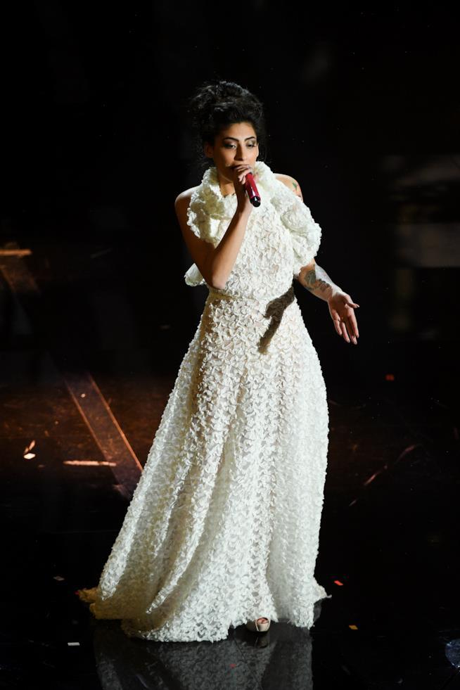 Alice Caioli canta Specchi Rotti a Sanremo 2018