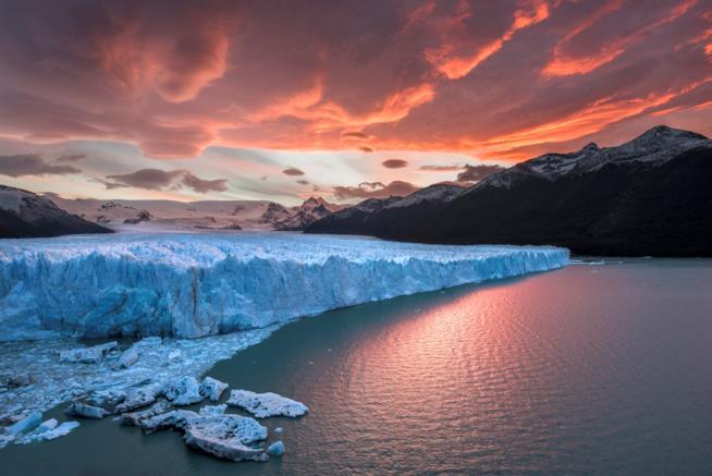 Tramonto sul ghiacciaio Perito Moreno