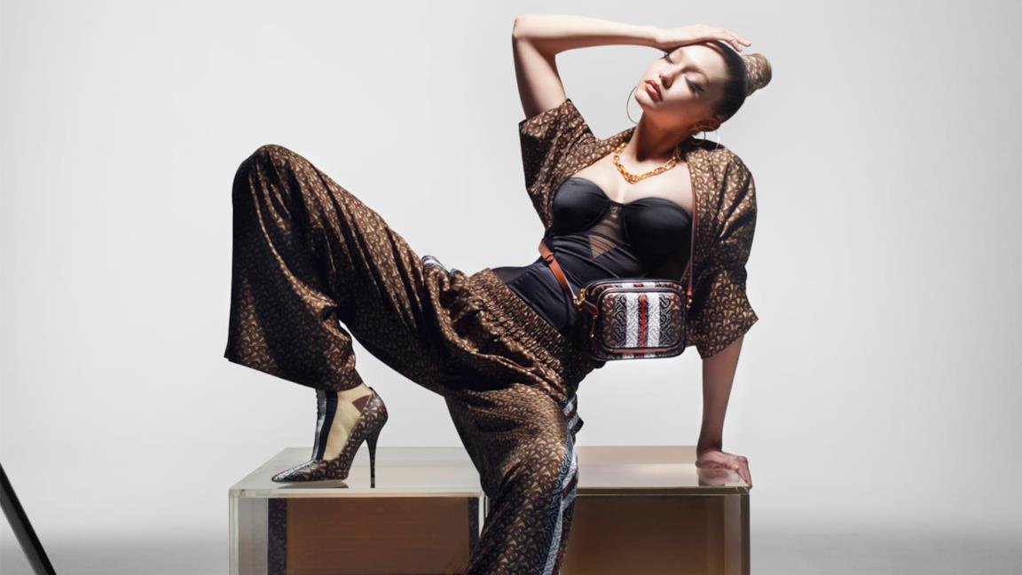 Gigi Hadid per Burberry