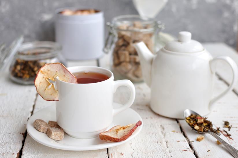 Set da tè su un tavolo