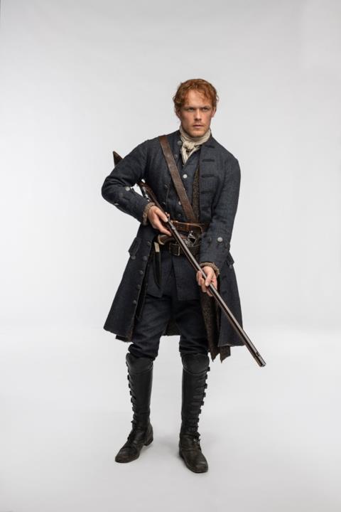 Jamie impugna un fucile
