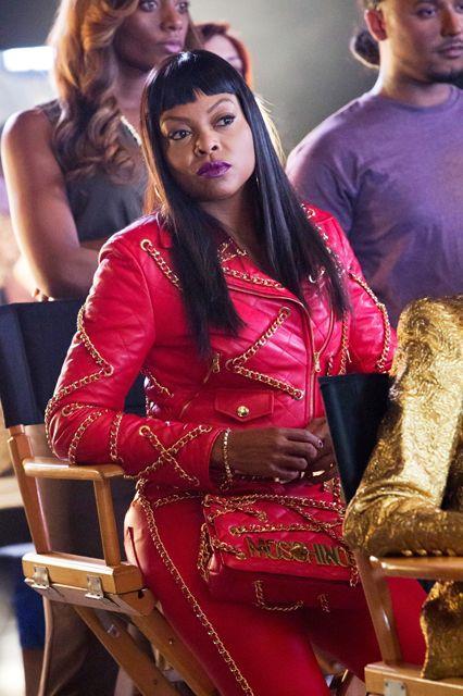 Cookie Lyon in una scena di Empire vestita Moschino