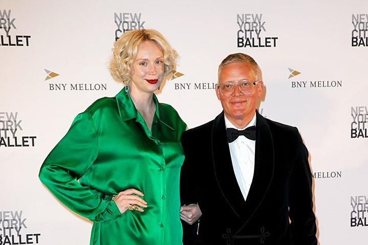 Gwendoline Christie e lo stilista Giles Deacon