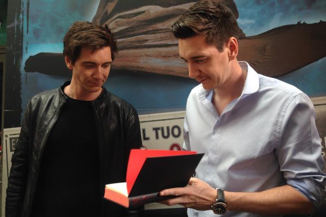 Gli attori James ed Oliver Phelps alla  mostra di Harry Potter a Milano