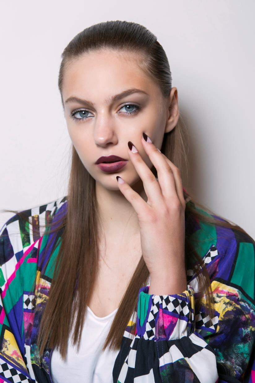 French manicure rossa e bianca