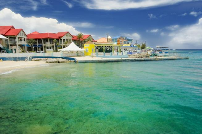 Costa di Georgetown alle isole Cayman