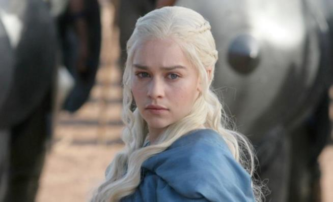 Daenerys di Game of Thrones in una scena