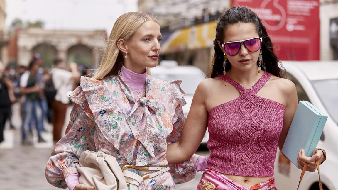 I capi e gli accessori rosa per l'autunno-inverno