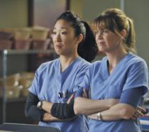 Cristina Yang e Meredith Grey insieme sulset di Gtey's Anatomy