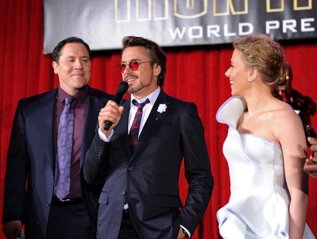 Il regista Jon Favreau, Robert Downey Jr. e Scarlett Johansson all'anteprima mondiale di Iron Man 2