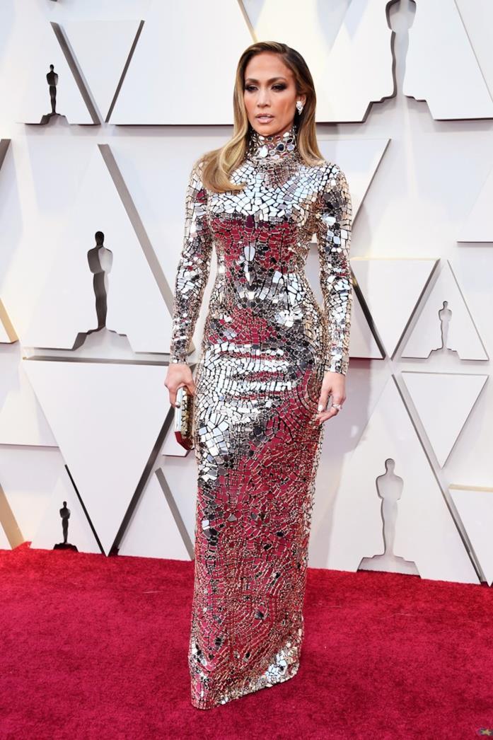 Jennifer Lopez sul red carpet degli Oscar