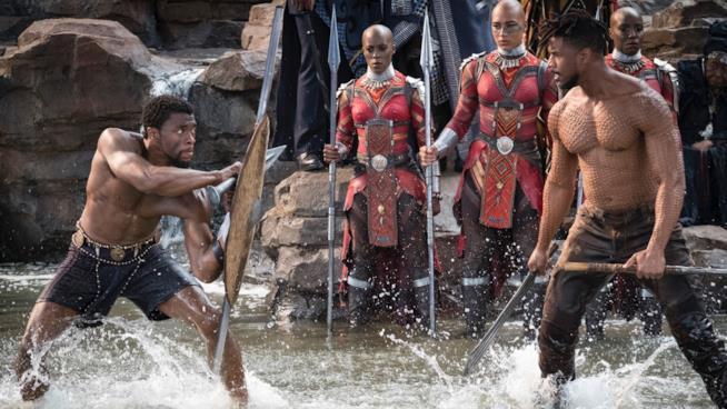 Una immagine della lotta tra i principi nel film Black Panther