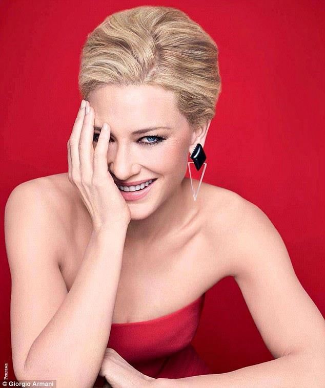 Un'immagine di Cate Blanchett in versione natalizia