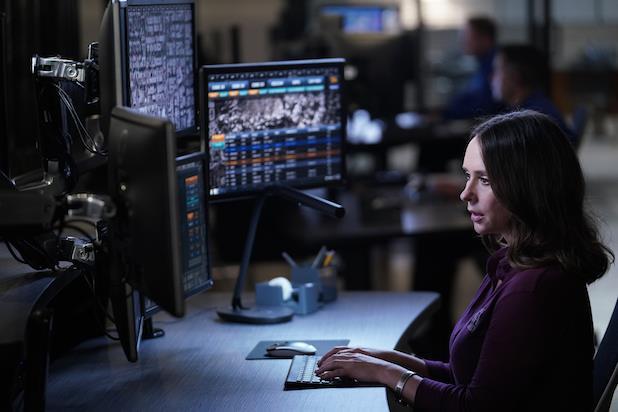 Jennifer Love Hewitt nella seconda stagione di 911