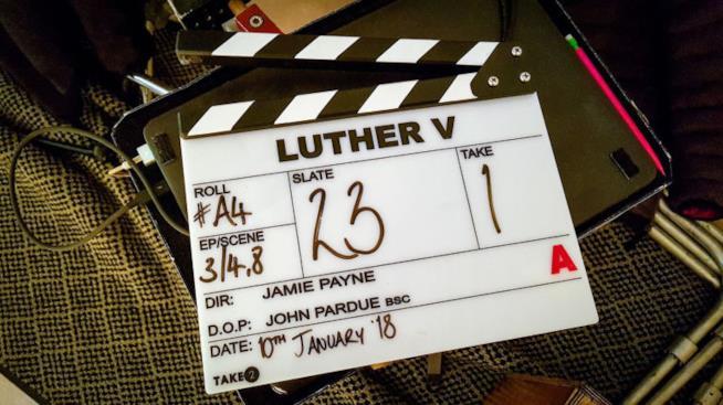 Il ciak del primo giorno di riprese della quinta stagione di Luther