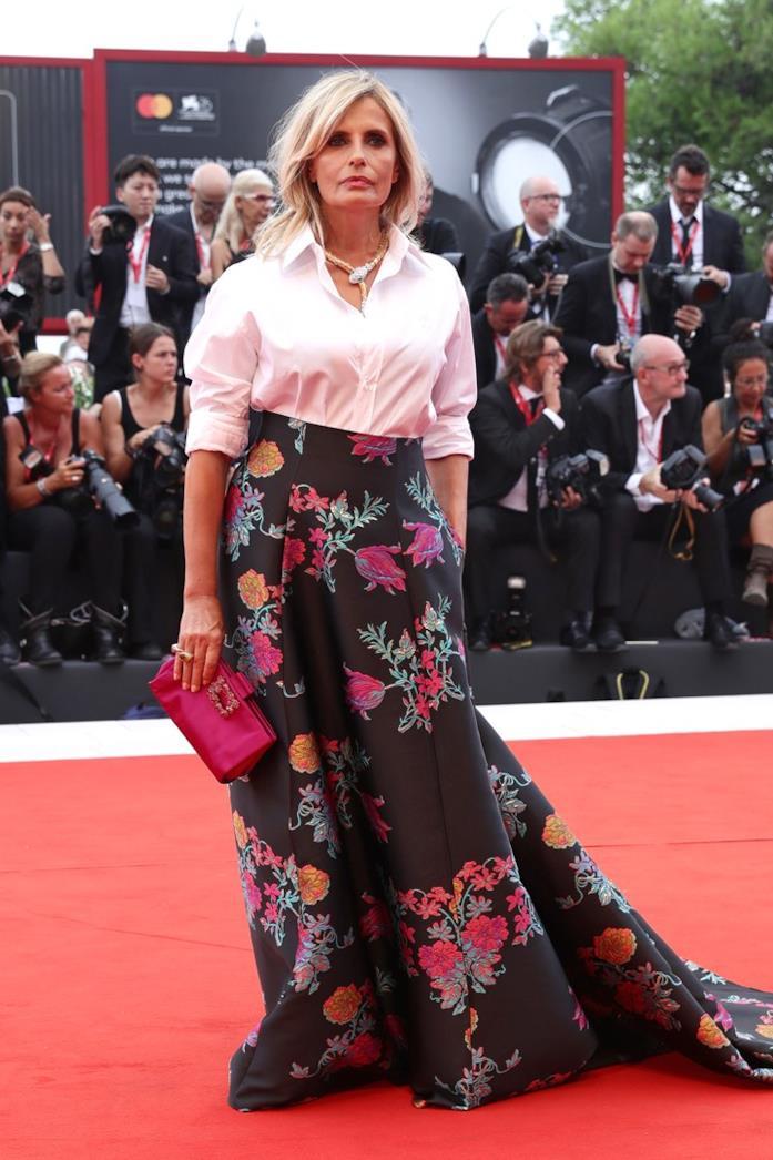 Isabella Ferrari sul red carpet di Venezia 76