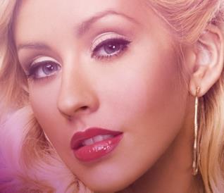 Christina Aguilera arriva a Nashville