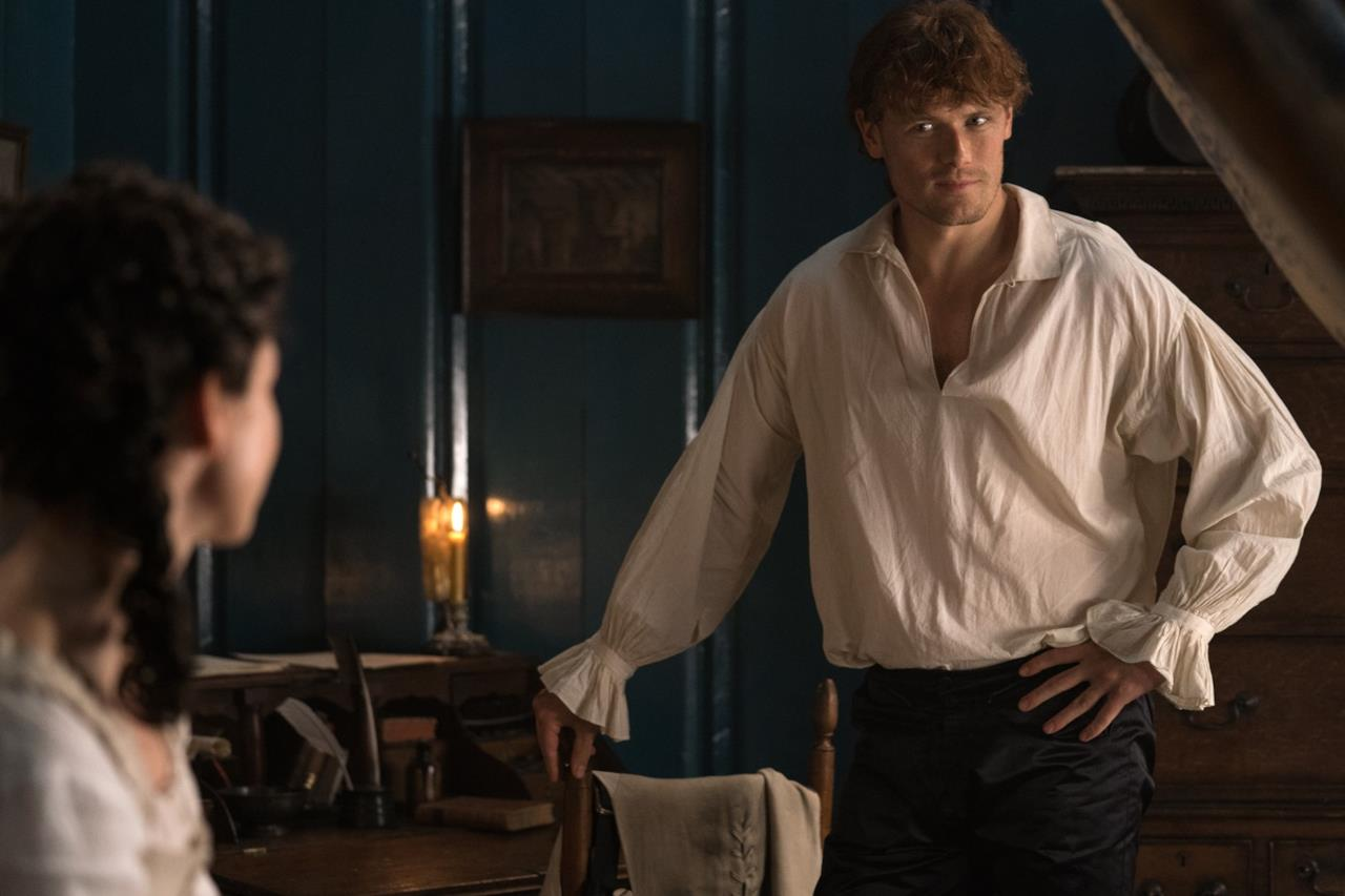 Jamie ammicca verso Claire