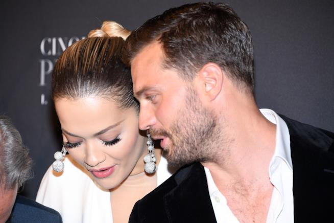 Rita Ora e Jamie Dornan alla prima francese di Cinquanta sfumature di rosso