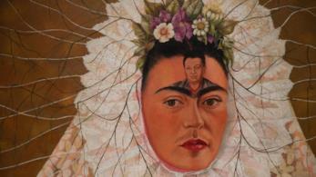 Arriva a Londra Frida Kahlo: Making herself up, l'esibizione dei suoi oggetti più personali