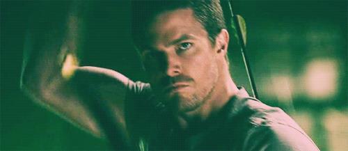Oliver Queen, interpretato da Stephen Amell