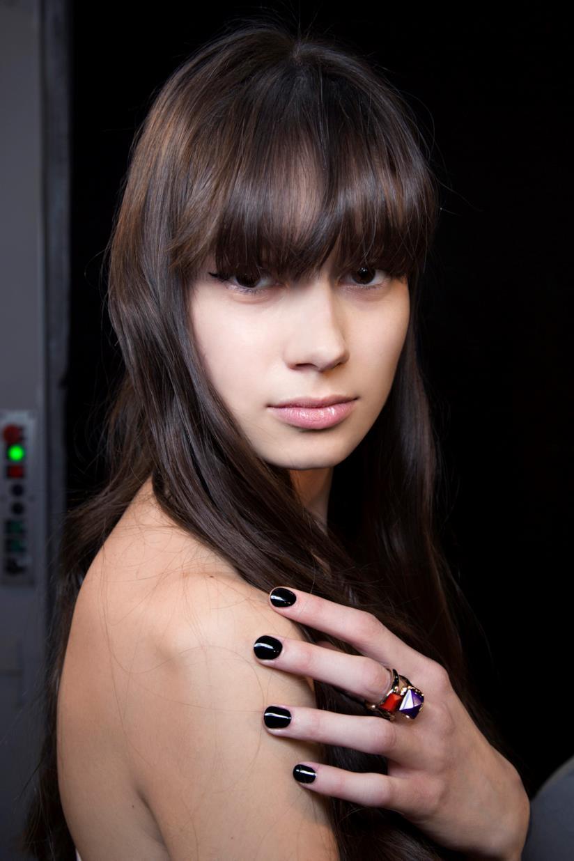 Nail art in gel nero semplice