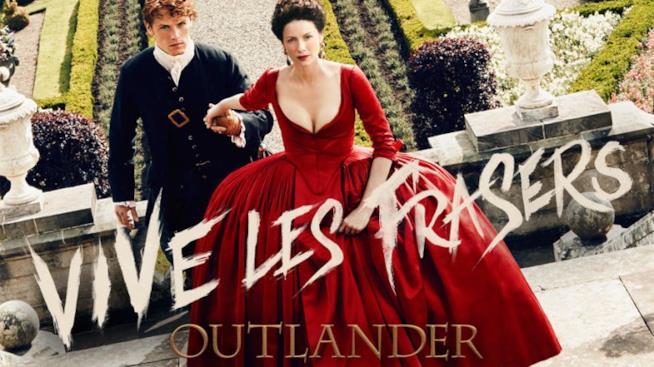 Jamie Fraser e Claire Randall vestiti in abiti francesi