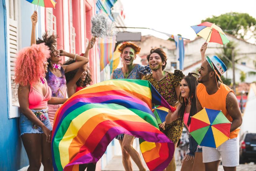 Una bandierina durante il Pride