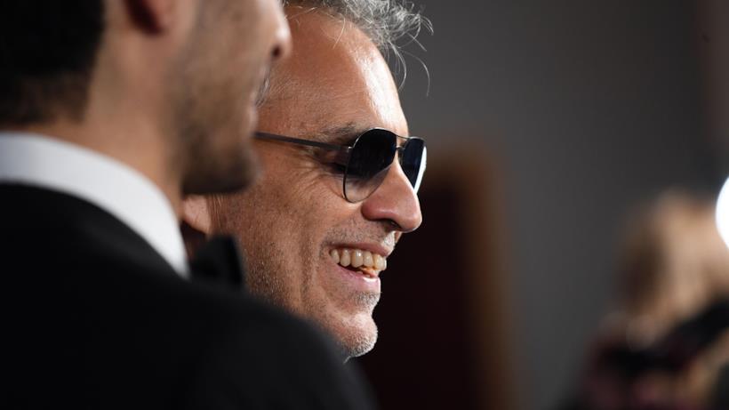 Andrea Bocelli canta con Dua Lipa in If Only: ecco video, testo e traduzione dalla canzone