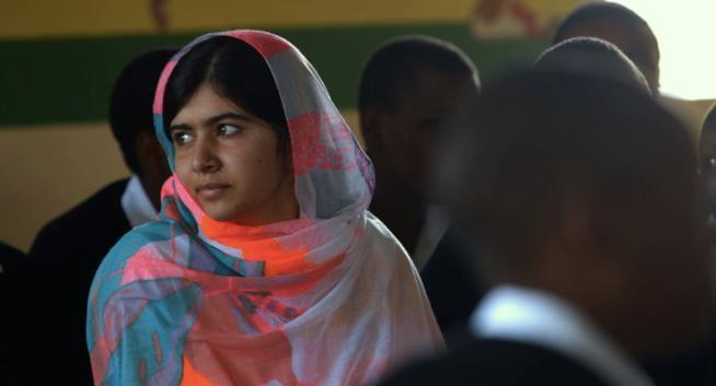 Malala Yousafzai nell'ultimo giorno di scuola