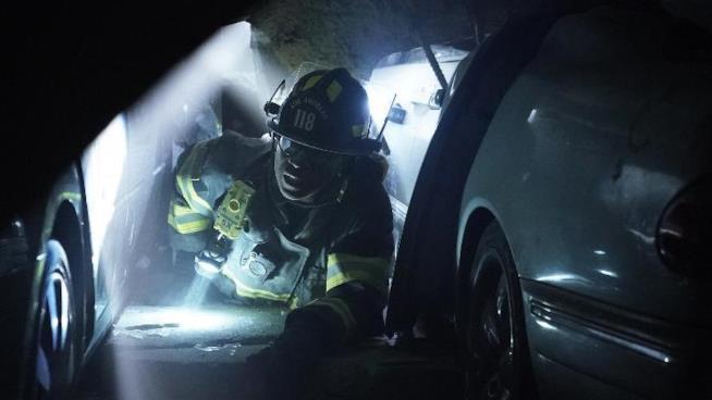 911: un'immagine dall'episodio 2x03