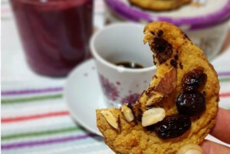Biscotto con uvetta e mandorle