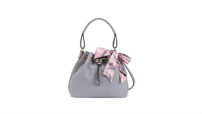 Nella collezione estiva di Carpisa anche delle deliziose mini-bag