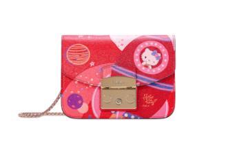 La borsa rossa di Furla e Sanrio su Hello Kitty