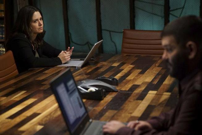 Katie Lowes e Guillermo Diaz in Scandal