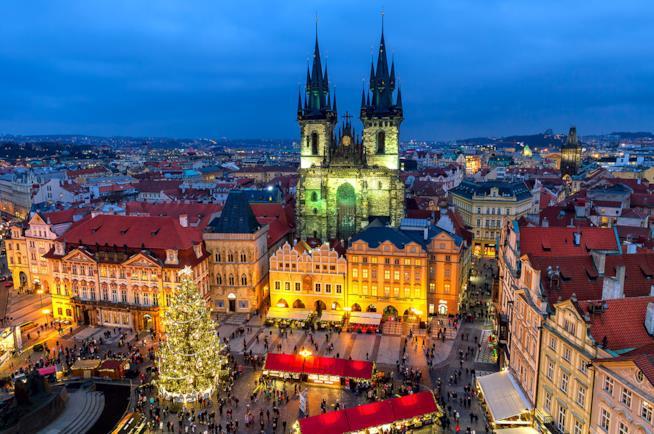 Panorama dei mercatini di Natale a Praga