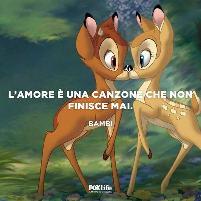 Bambi bacia una cerbiatta