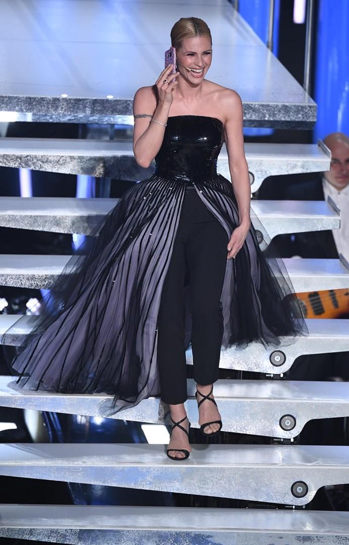 Michelle Hunziker vestita total black