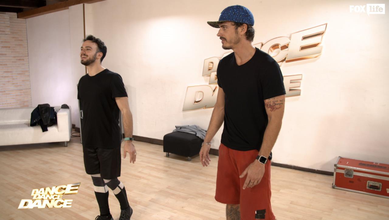 Raniero prepara la sua coreografia singola per il sesto serale