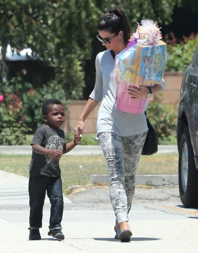 Sandra Bullock con i due figli