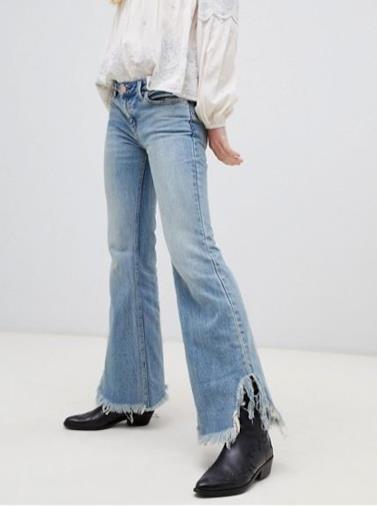 Jeans a zampa con fondo grezzo
