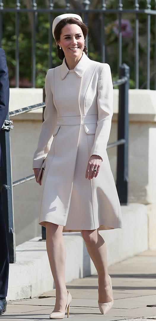 Kate durante la messa pasquale ufficiale