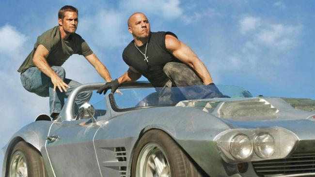 Paul Walker e Vin Diesel in Fast and Furious 7
