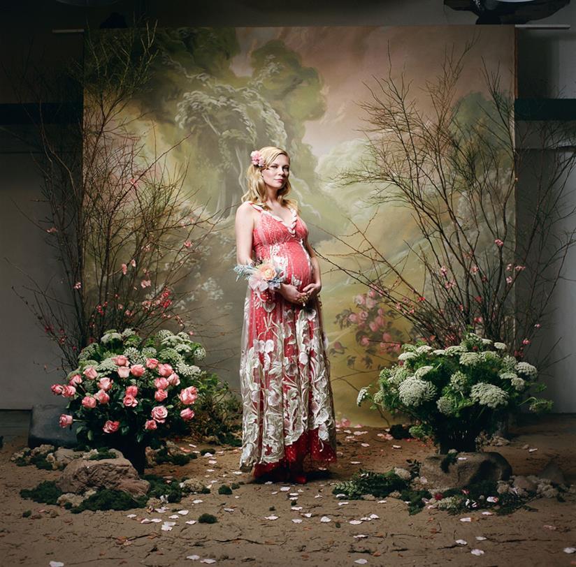 Kirsten Dunst col pancione