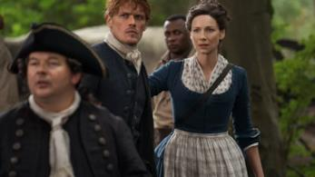 Una foto di gruppo col cast di Outlander