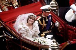 La Principessa Diana e il Principe Carlo nel giorno delle nozze