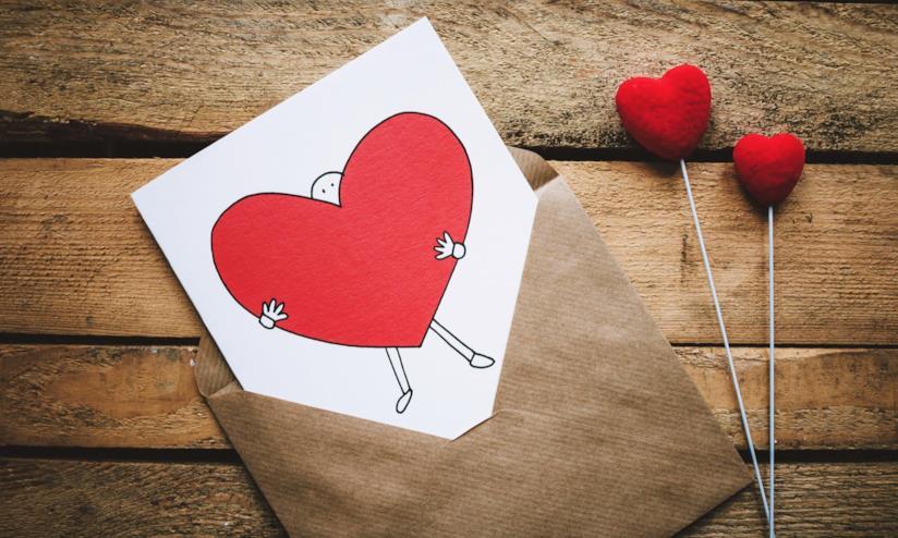 Cartolina di auguri con cuore grande