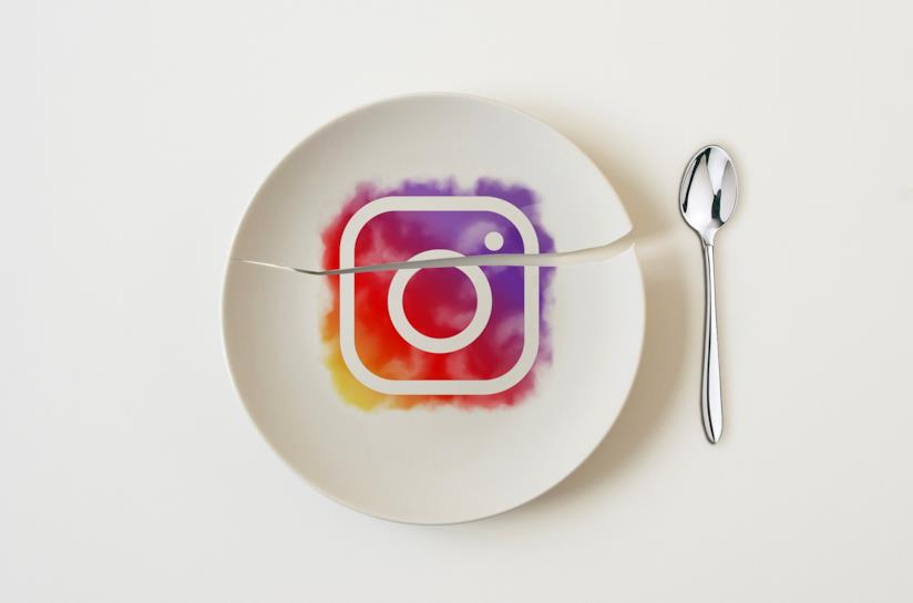 Piatto con icona instagram
